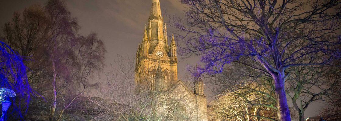 En Aberdeen, el cementerio se ilumina