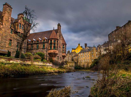 ¿Un paseo insólito por Edimburgo? ¡Dean Village!