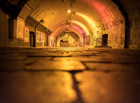¡ La noche en Aberdeen transcurre «underground» !