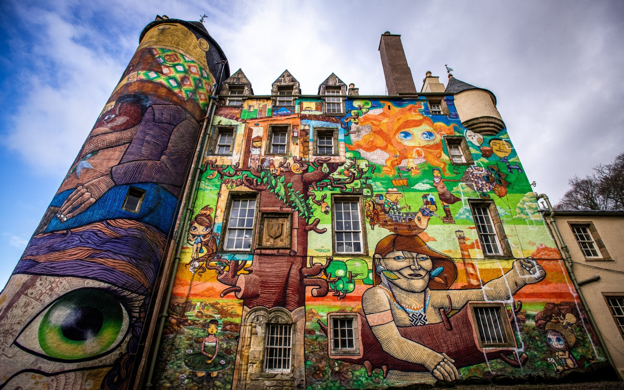 kelburn castle el castillo del grafiti
